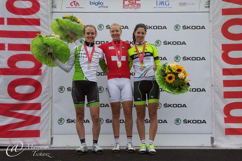 Podest Frauen Elite: Patricia Schwager (2.), Pascale Schnider (1.) und Jennifer Hohl (3.)