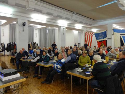 Von 186 Mitgliedern waren 96 anwesend