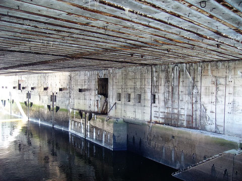 Der Innenraum des U-Boot Bunkers Hornisse