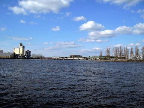 Hier der ehemalige Werfthafen.