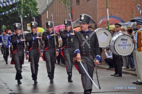 Die Mansfelder Pioniere während der Parade 2014