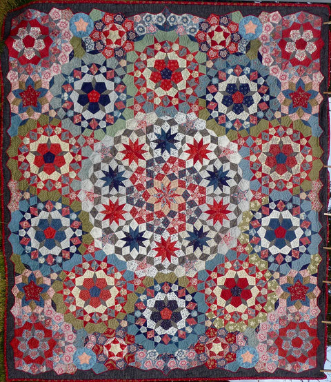 Quilt 1 for Houston La Passacaglia - The medaillion of Penny Rose and Martin Luther