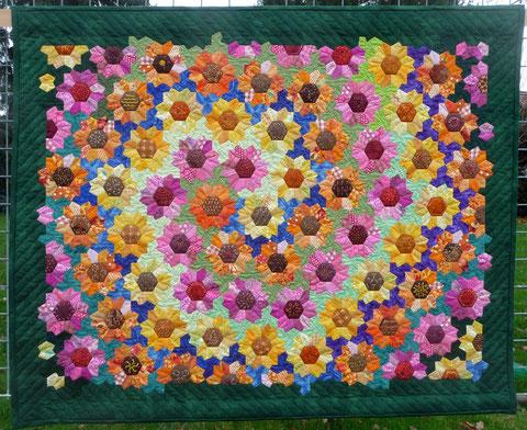 Swirl of Sunflowers Quilt (2013)