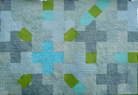 Der PLUS Quilt für die Ausstellung der Plesse-Quilter ist sozusagen fertig.