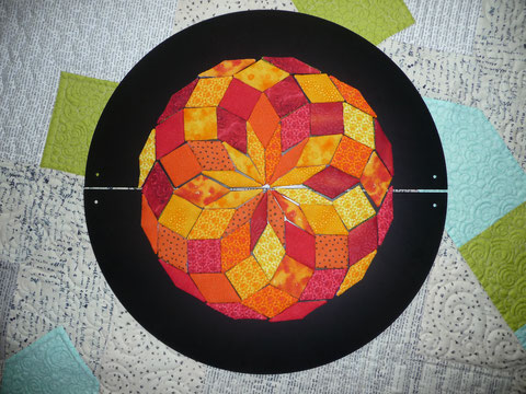 Zwei Halbkreise aus Blech für das magnetische Zwölfeck