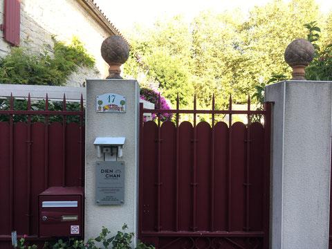 Entrée et portail du 17 rue du Cormier Aigrefeuille d'Aunis - Réflexologie faciale Dien Chan