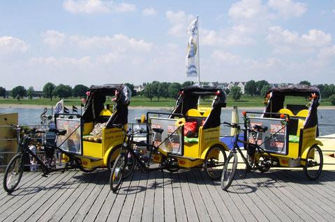 auf der Rheinuferpromenade
