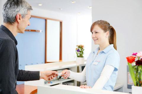 Herzlich willkommen in der Zahnarztpraxis Karina Honscha in Leverkusen.