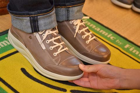 指先は圧迫されると変形・変色・痛みに繋がりやすいので靴にはけして当たってはいけません