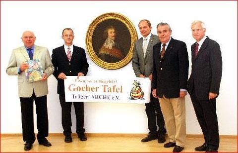 Lions Club Niederrhein spendet rund 21.000 EUR 12. September 2008 Kleve, v.l. K-L. van Dornick, Jörg Weißenborn, Manfred Michels, Peter Theissen, Dr. Guido de Werdn