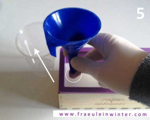 How to make droplets in CP soap using a funnel...