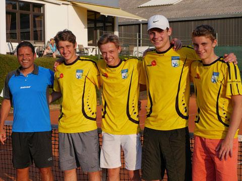 v.l. Trainer Luis Elias, Jan Niklas Kühling, Luca Vigener, Tim Boehlke, Adrian Kranz