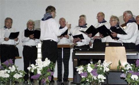 Premiere für den Shanty-Chor beim Liederabend - 17. Mai 2015 -Leitung: Florian Schaub