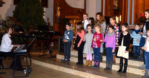 "Kinderchor ""Nüdlinger Spatzen"" - Adventskonzert 2016 - Leitung: Lena Ney"