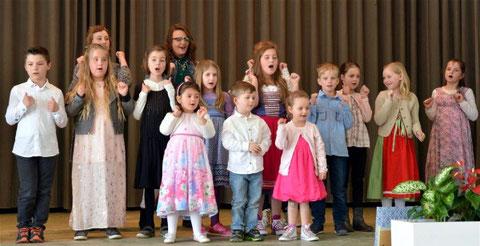 """Die """"Nüdlinger Spatzen"""" beim Kinderchorkonzert in Bad Bocklet - 2017"""