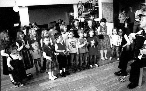 Kinderchor - Leitung: Bernd Hammer - 2011