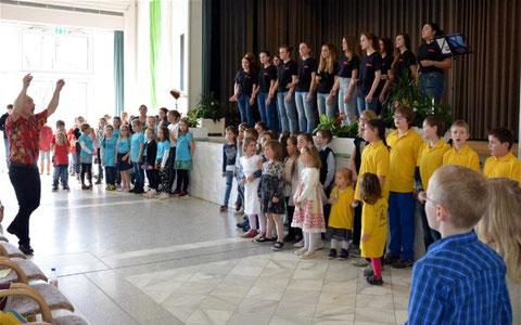 Kinderchorkonzert Bad Bocklet - Abschluss mit Thomas Betzer - 2017