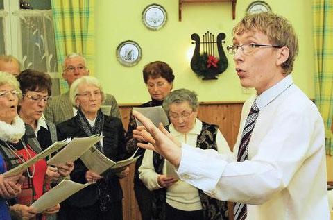 Der neue Chorleiter - Florian Schaub 151213