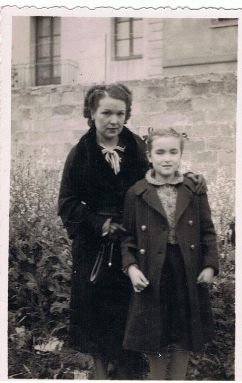 Mi Tia Rosalia y su hija Anna Mª......de Barcelona.