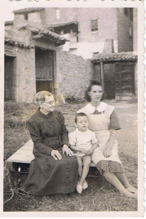 Mi Abuela mi Madre i Fernando.