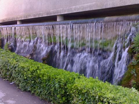 El agua por el rec del Corronaire.