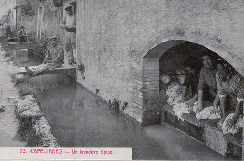 Ahora este lavadero ya no existe,....El agua nace en la balsa,y va para las fabricas de papel.