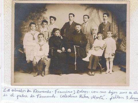 Mis Abuelos con sus hijos,aqui faltan dos.