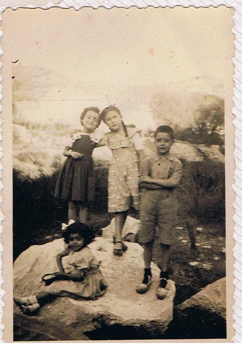 En el rio de Copons,con mi hermana y mis primas.