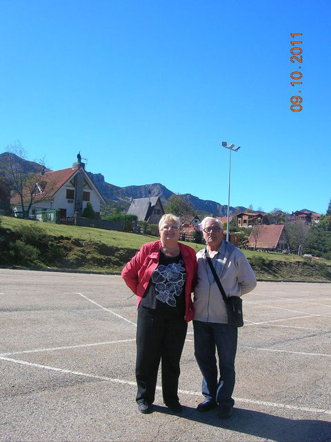 Con la hermana de Rosita,en lo alto de san Isidro.
