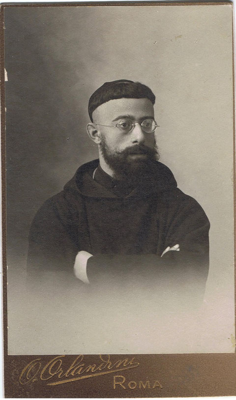 El hermano de mi padre,el Padre Ferran d'Igualada.....esta foto fue hecha en Roma..