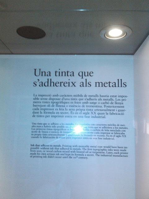 Una tinta que sirve para los metales.