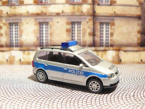 VW Touran der Verkehrsüberwachung