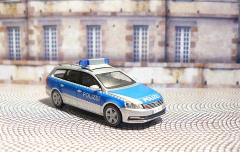 Standard-Funkstreifenwagen vom Typ VW Passat