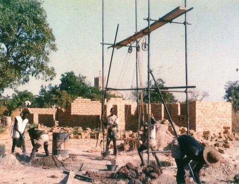 Bau der Ackerbauschule.