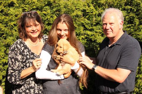 Familie Möseler mit Momo