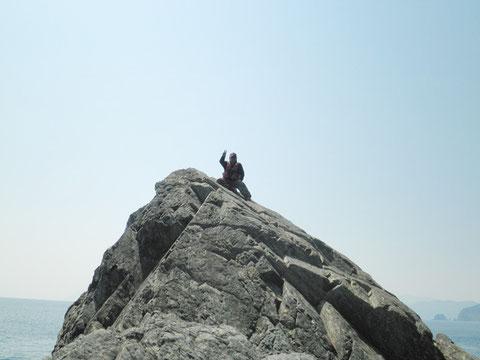 この人も退屈なんで、登頂に成功してました^^;