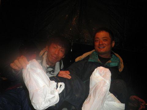 スリッパで来てた忍ちゃんは足が冷たいと・・・^^;