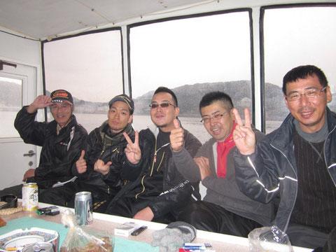 牙ちゃん父、弟さん、牙ちゃん、キャプテン、山P