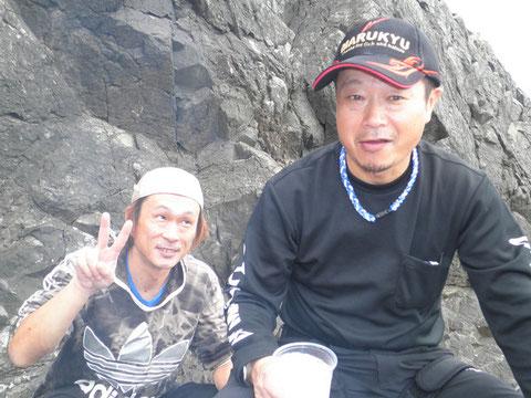 牙ちゃんが持ってきた銘酒「三岳」で、大先生大満足です^^