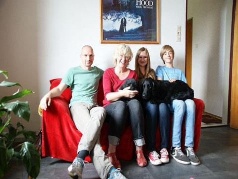 JOHANN mit Familie Perl