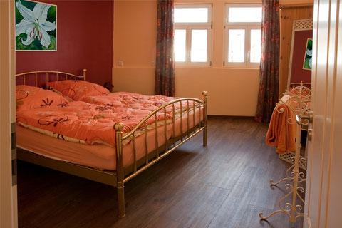 1. Schlafzimmer OG. - Ferienwohnung am Kloster Lorsch