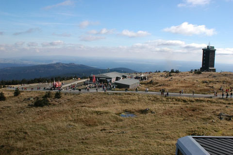 Blick vom Nationalparkhaus übers Brockenplateau.......