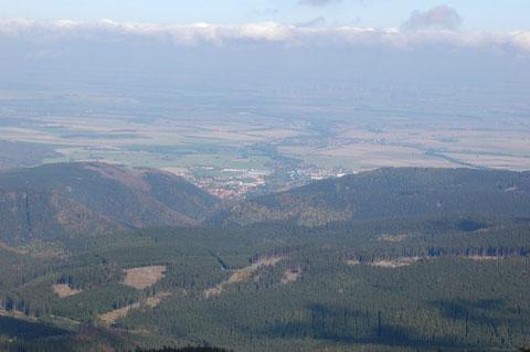 ....in Richtung Ilsenburg.....von dort aus waren wir im vergangenen Jahr durch das Ilsetal und über den Heinrich-Heine-Weg aufgestiegen.....