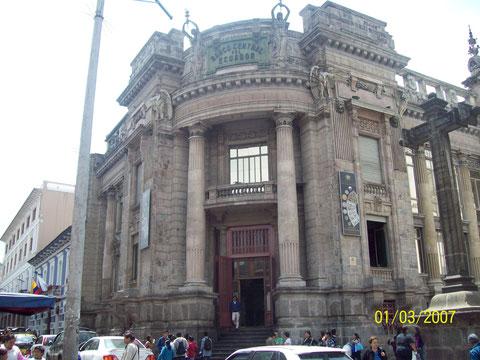 Edificio del Museo Numismático-Ex Banco Central del Ecuador- Damaris Barahona 8A.