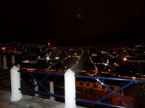 Quito Nocturno desde el Panecillo-Raymi Dulce 8A