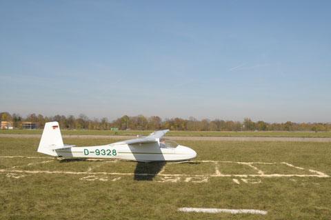 Ohne fliegerische Übung geht nichts in diesem kurzen Ziellandefeld. Foto: jkob