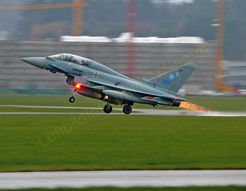 Ein Eurofighter beim Nachbrennerstart