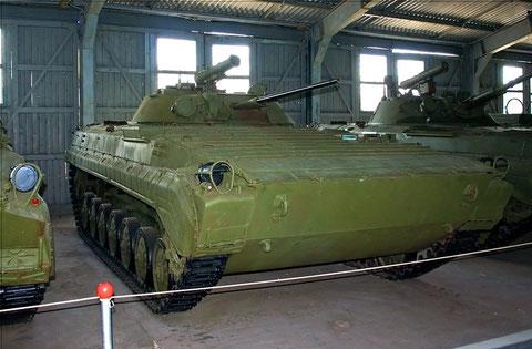 Der BMP mit sieben Laufrollen.