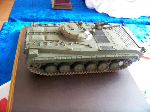 Die nächsten Bilder zeigen den BMP-1 A. Im Einsatz nur in der Sowjetarmee und der poln.VA. Ein großartiger Umbau in 1 :35. Da war an der Wanne und dem Kleinkram viel zu ändern! Hut ab!