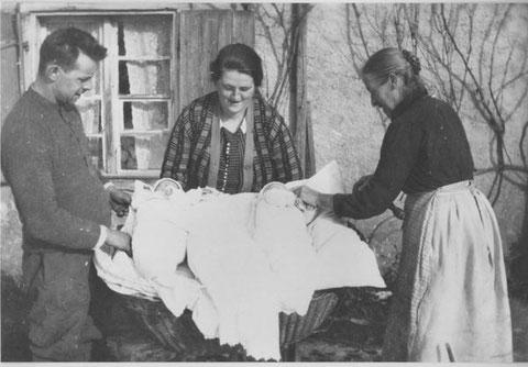 Etwas ganz Besonderes: Drillinge bei Familie Lenzi (1928)